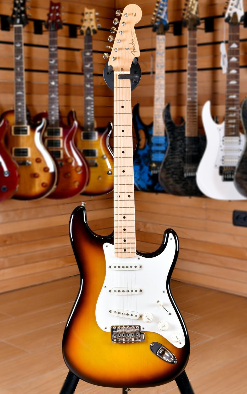 Fender American Vintage Stratocaster '59 Maple Fingerboard 3 Color Sunburst