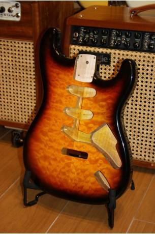 Goldo Stratocaster Body 3 Color Sunburst Quilted Maple